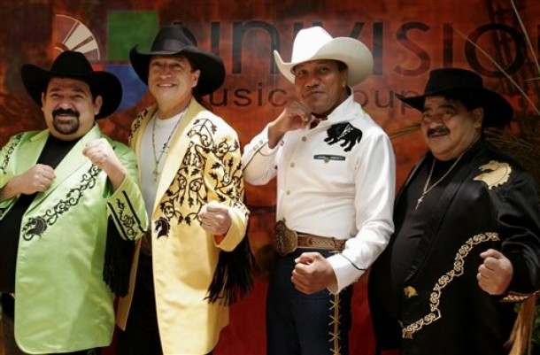 Grupo Bronco - No Puedo Ser ( Vídeo musical )