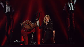 Madonna - Living for love, con bailarines